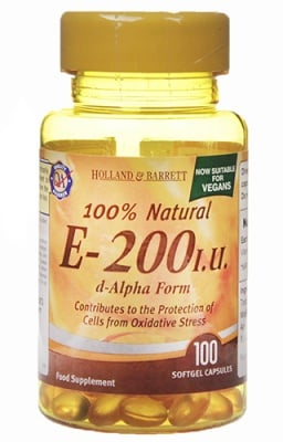 Vitamin E 200 IU 100 capsules Holland & Barrett / Витамин Е 200 IU 100 капсули Holland & Barrett