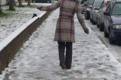 7 съвета за ходене по заледени улици и тротоари