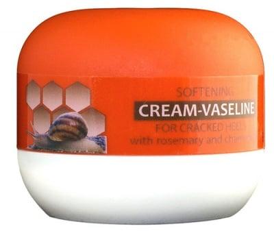 Victoria Beauty softening cream-vaseline for cracked heels wich rosemary and chamomile 40 ml / Виктория Бюти Крем - Вазелин за напукани пети с Розмарин и лайка 40 мл.