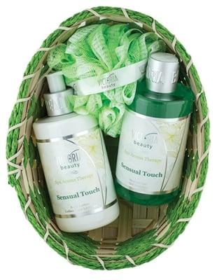 Victoria Beauty Set Spa Aroma Therapy Sensual Touch Body lotion 250 ml + Shower gel 250 ml + Basket + Bath sponge / Виктория Бюти Комплект Спа Арома Терапи Сеншуал Тач Лосион за тяло 250 мл. + Душ-гел 250 мл. + Гъба за баня + Кошничка